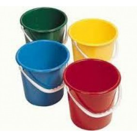 Plastic 2 Gallon Bucket
